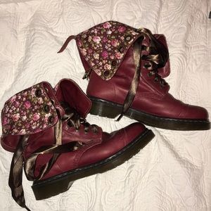 DOC MARTENS Red Triumph